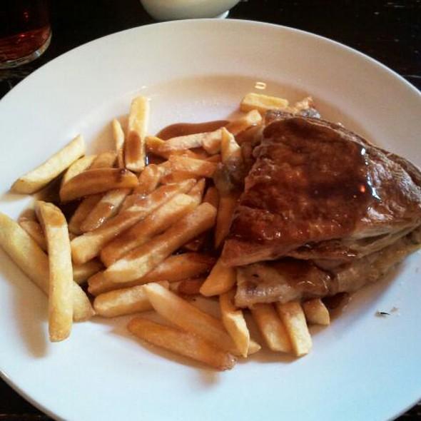 Chicken And Mushroom Pie Dinner @ Kirkpatricks