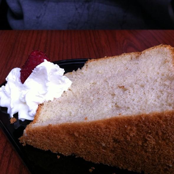 Sake Chiffon Cake @ Niwatei