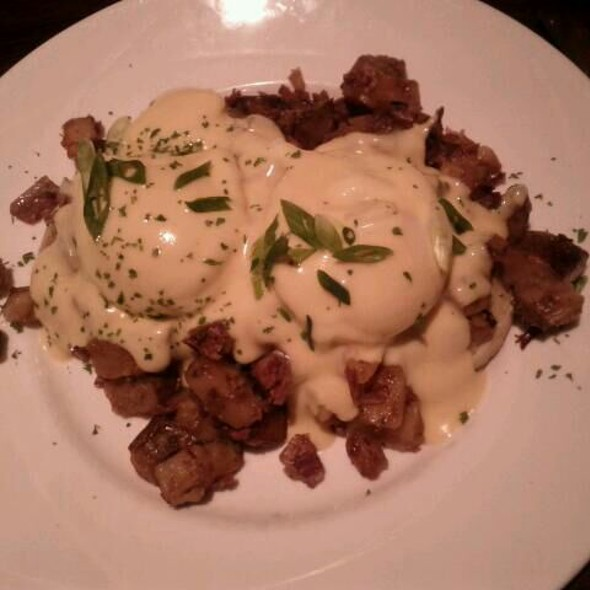 Mrs. Murphy's Hash Benedict - Mrs. Murphy & Sons Irish Bistro, Chicago, IL