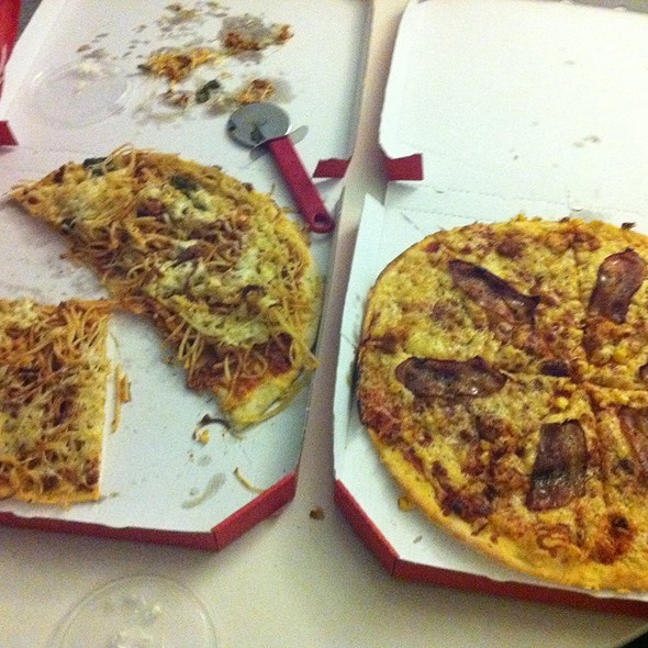 Pizza Bolognese / Pizza Americano @ Blizzeria Hamburg