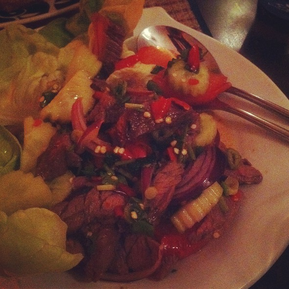spicy beef salad @ Thai Tiger