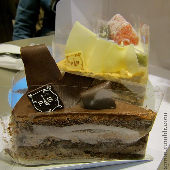 Cakes @ Paris Baguette