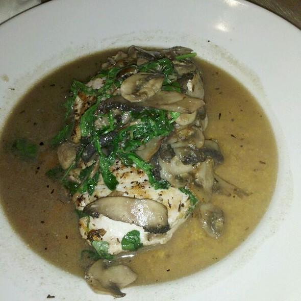 Chicken Portabella @ Jimmy'z Kitchen Wynwood