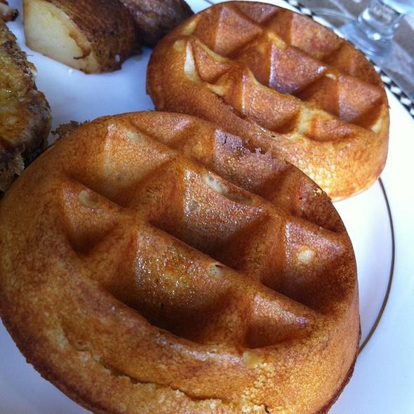 Waffles @ Azalea Restaurant @ Omni Hotel