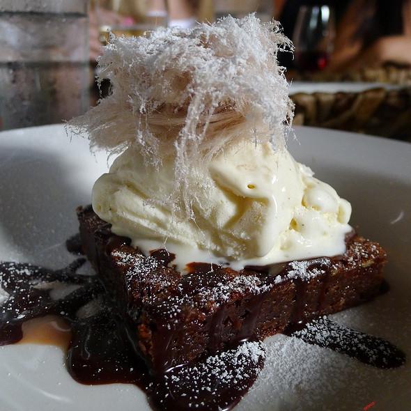 Double Chocolate Brownie, Fairy Floss & Vanilla Bean Icecream @ The Winery
