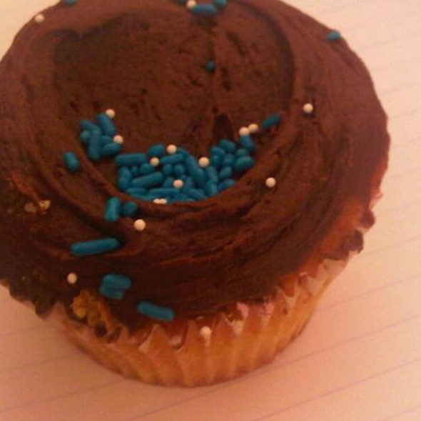 chocolate cupcake @ Sugar Sweet Sunshine