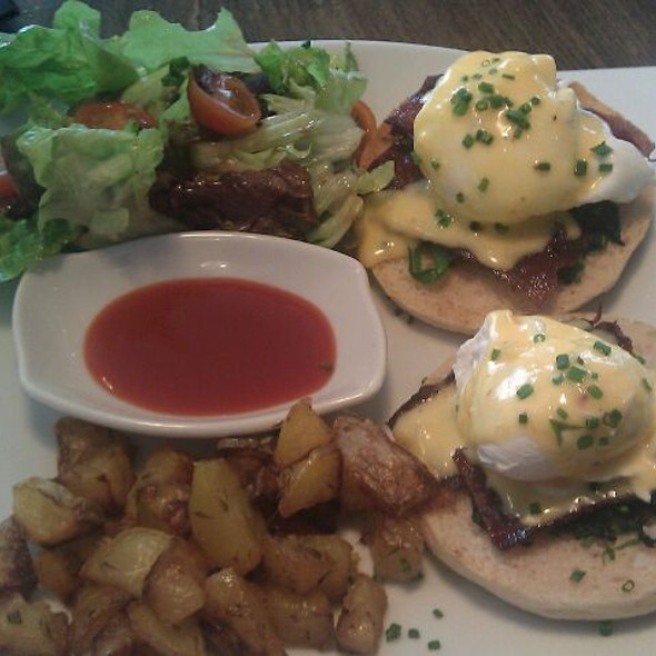 Eggs Benedict @ Picnic