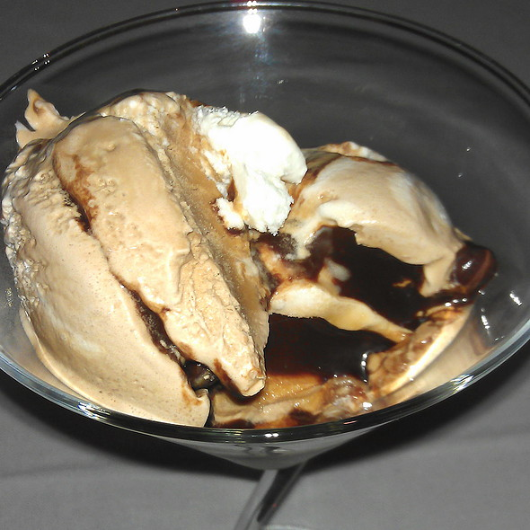 Capuccino ice-cream @ Restaurante la Rosa Di Bari