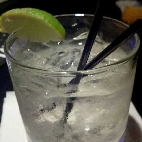 gin and tonic @ Marz Bar