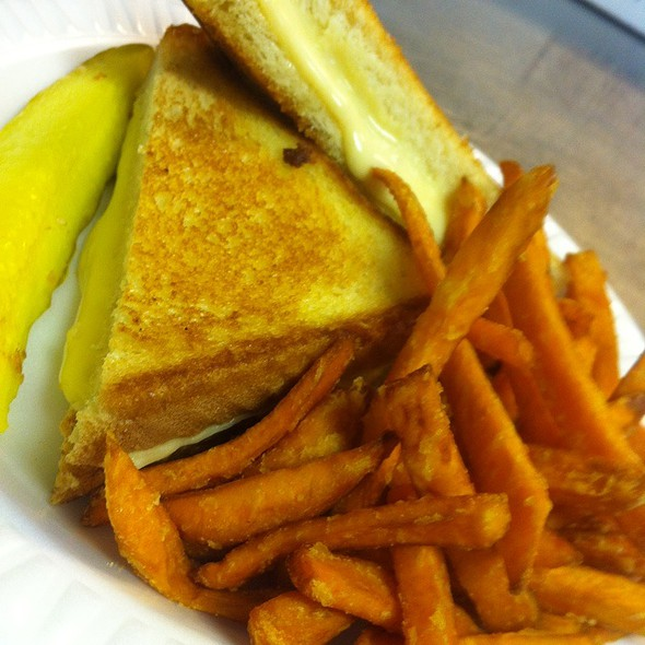 Grill Cheese & Sweet Potato Fries  @ The Skinny Chef Inc