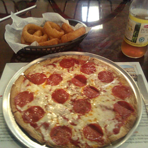 Personal Pizza  @ Nino's Italian Restaurant