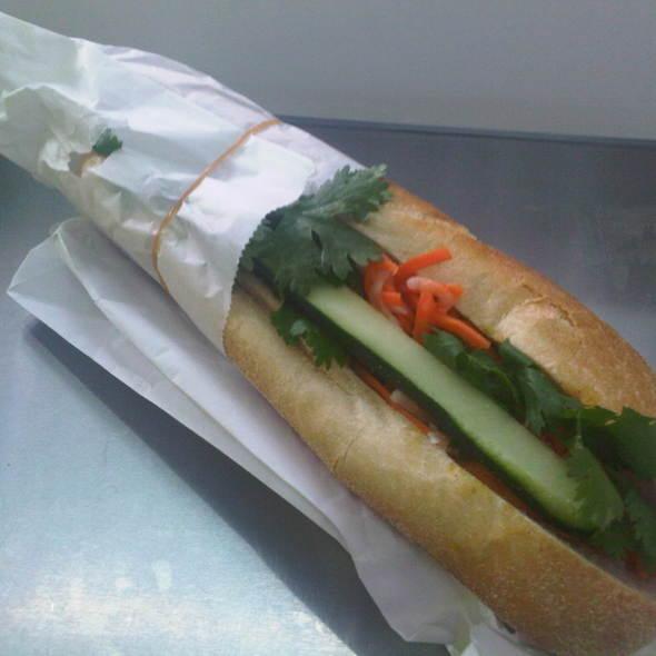 Bánh mì cari gà - Curry chicken @ Saigon