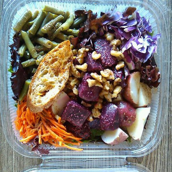 Freakin' Healthy Salad @ Soup Freaks