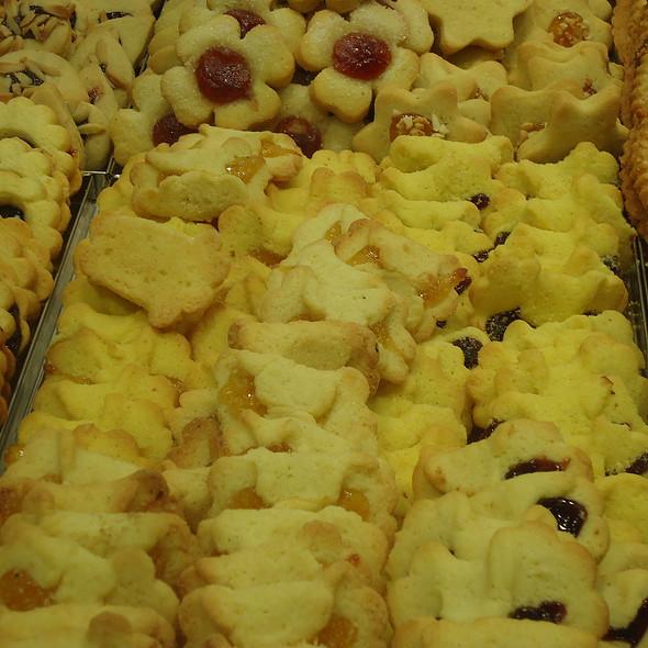 Pastafrolla biscuits @ Panificio Salvini