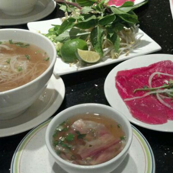 Pho With Rare Beef And Tendons @ Pho Rowland Vietnamese Restaurant