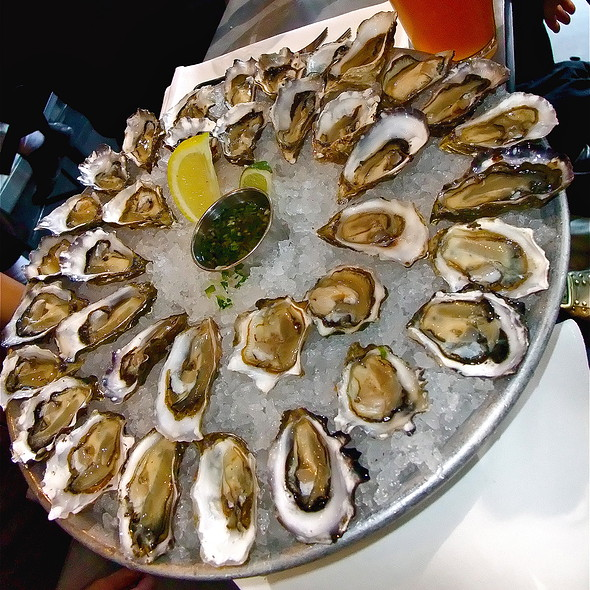 36 Fresh & Raw West Coast Oysters @ Hog Island Oyster Co.