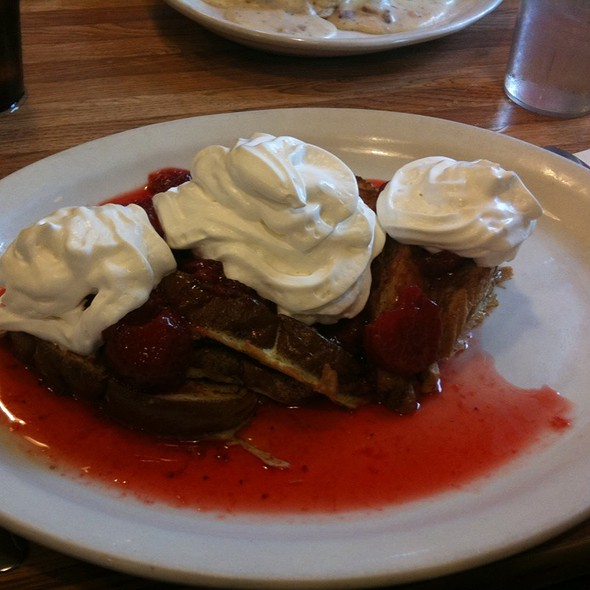 French Toast With Strawberries And Cream At Carlos Country Kitchen