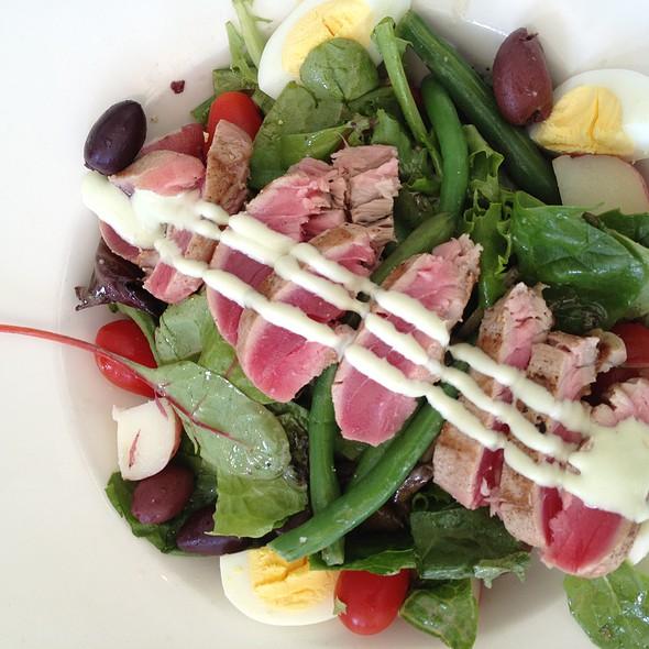 Ahi Tuna Niçoise Salad - The Cottage Chestnut Hill, Chestnut Hill, MA