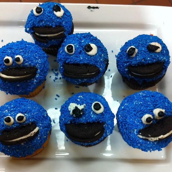 Cupcakes @ wegmans - malvern