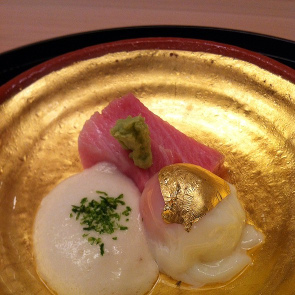 Torro Sashimi With Onsen Egg