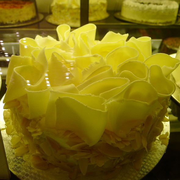 White Chocolate Sans Rival @ Casa Roces