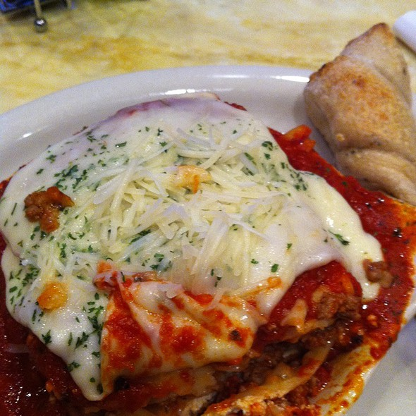 Meat Lasagna @ Spaghetti Eddie's Pizza Cafe'