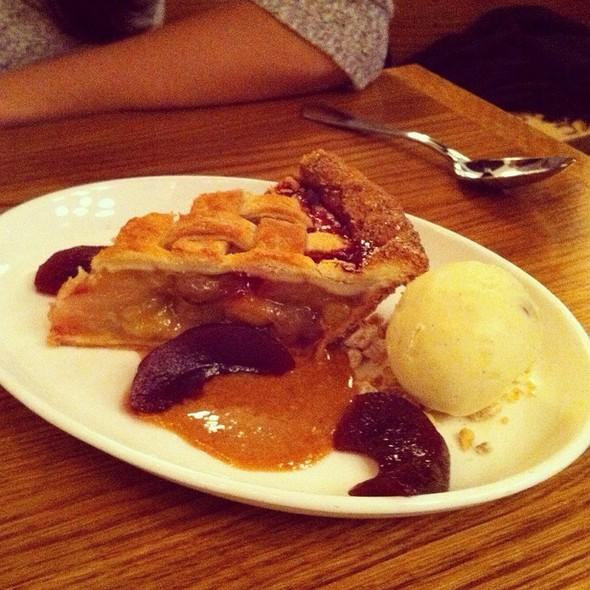 Grapple Pie @ The Dutch