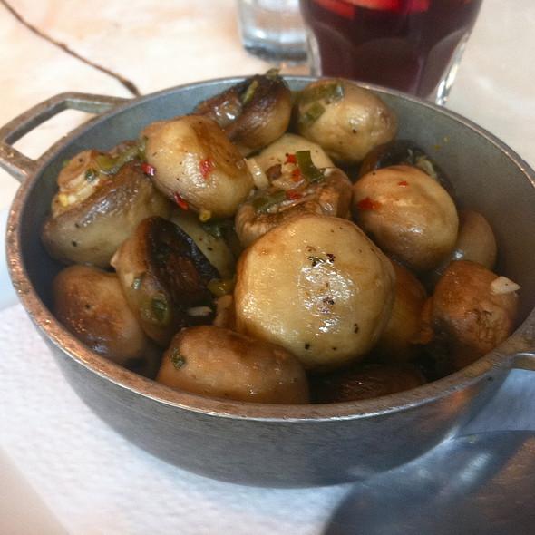 Garlic Mushrooms @ Cha Cha Cha