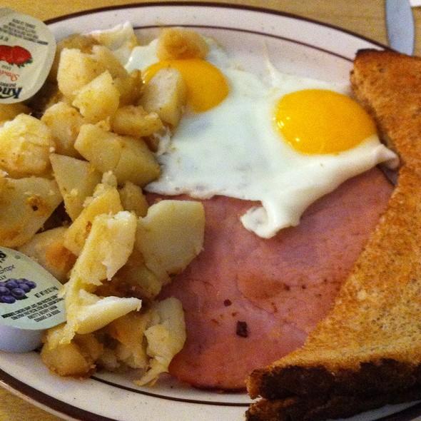 American Breakfast Platter