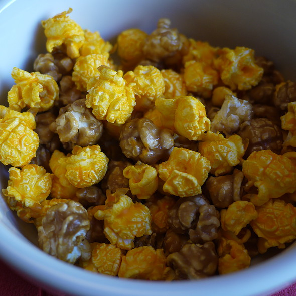 Chicago Popcorn Cheese And Caramel Mix
