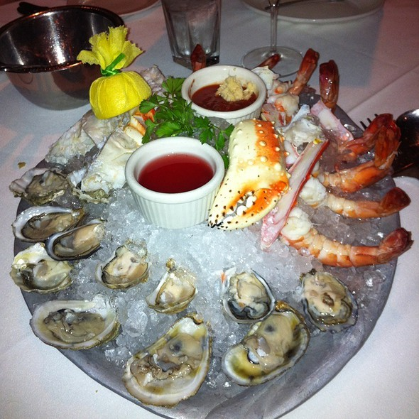 mixed seafood platter @ Rosebud Steakhouse