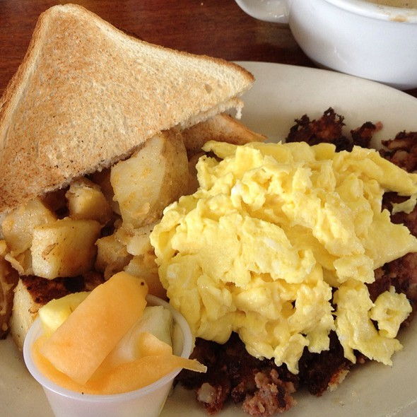 Corned Beef Hash and Eggs @ Mancini's Cafe & Bakery