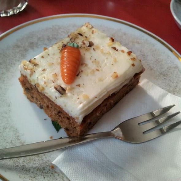 Carrot Cake @ Winterfeldt Schokoladen