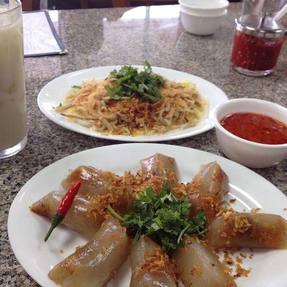 Banh Cuon & Banh Bot Loc & Soybean Milk