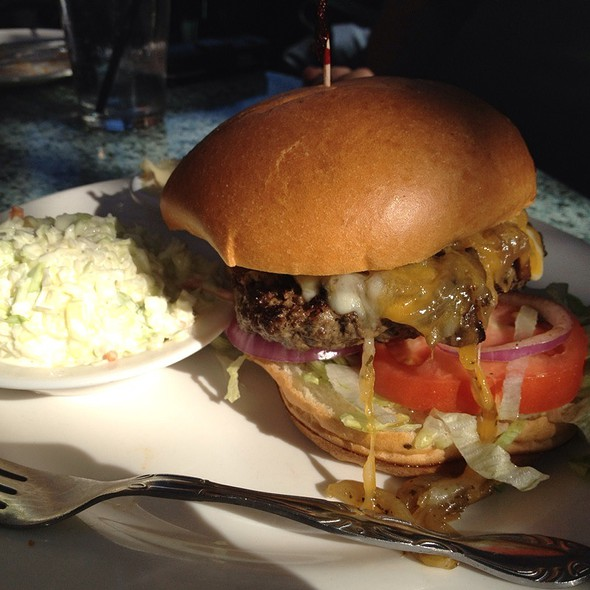 Harry's Style Burger @ Harry's Seafood Bar & Grille