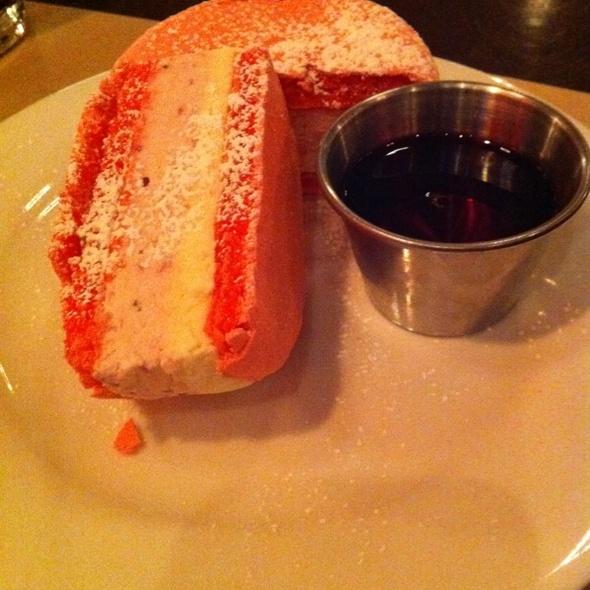 Strawberry Macaron Ice Cream Sandwich @ Blt Burger