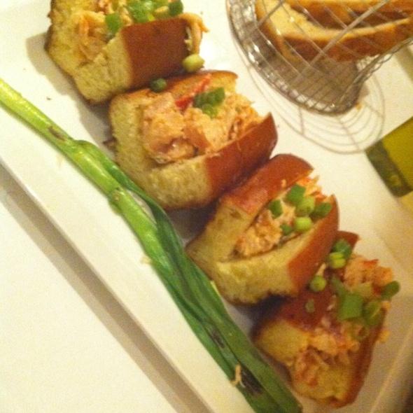 Lobster Roll (Sandwich) @ Lia's
