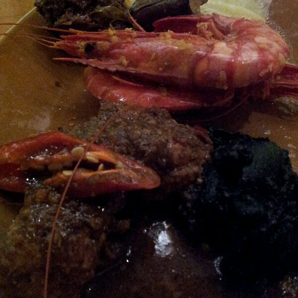 Singaporian-Inspired Cuisine @ Straits Kitchen