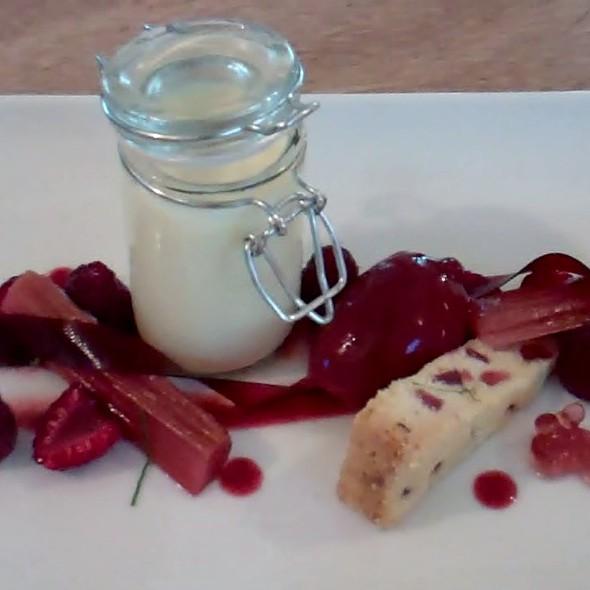 Lemmon posset, raspberries, strawberry and black pepper sable, strawberry paper, strawberry sorbet @ Cookinfrance
