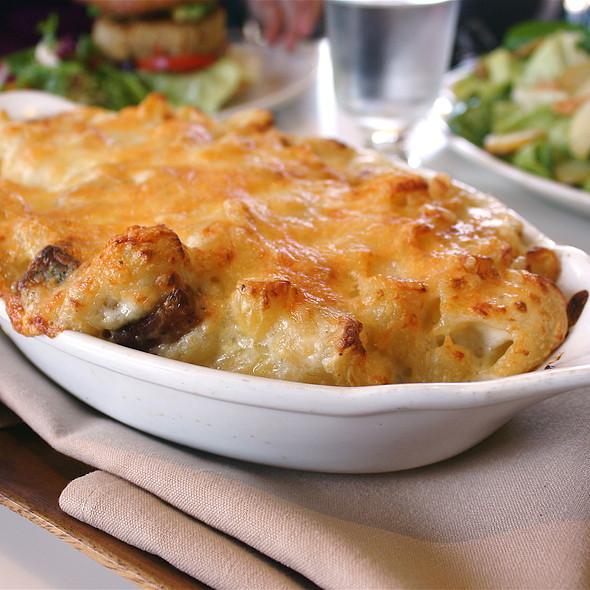 Macaroni & Cheese w/ Pancetta