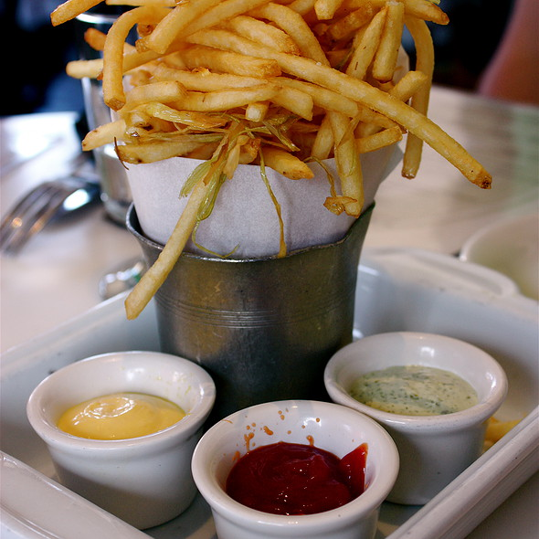Pomme Frites w/ Trio of Dipping Sauces @ Cafe Chloe