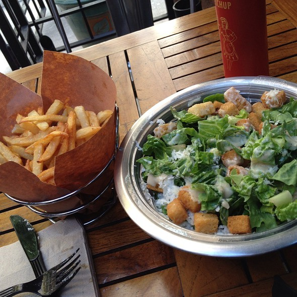 Ceaser Salad And Fries @ Soho Park