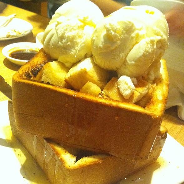 Honey Toast @ Shokudo Japanese Restaurant & Bar