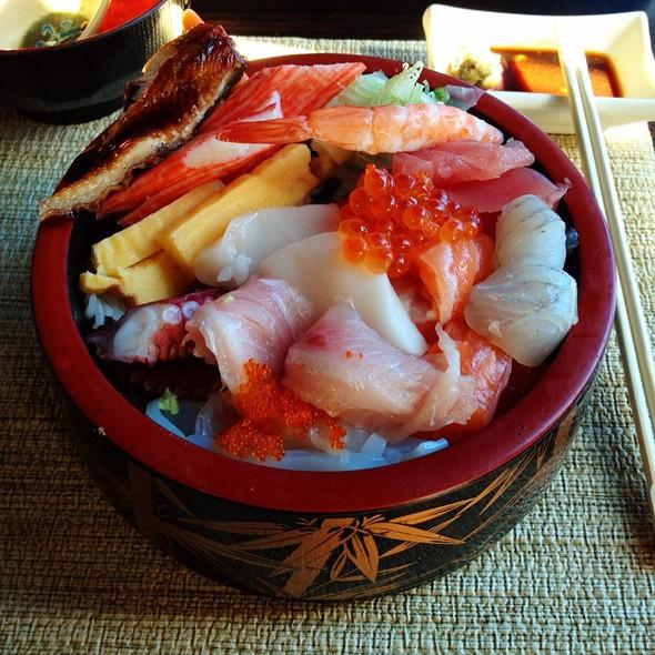 Chirashi @ Ryu of Japan