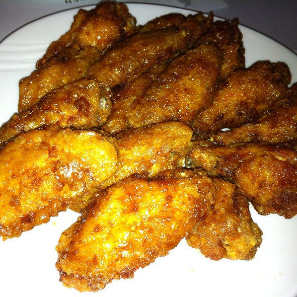 Soy Garlic Chicken Wings @ Kyochon