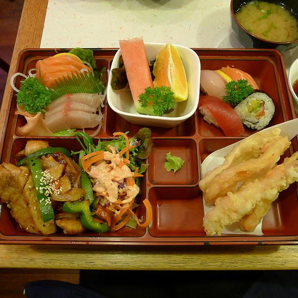 Take Box - Tempura, Sashimi, Teriyaki Fish, Sushi @ Hiroba Japanese and Korean Restaurant