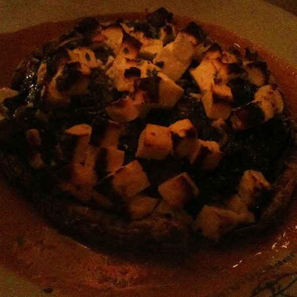 Portobella Mushroom Stuffed With Spinach & Feta Over Pepper Sauce @ Suppenküche