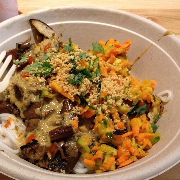Grilled Chicken Satay Bowl @ Shophouse Kitchen