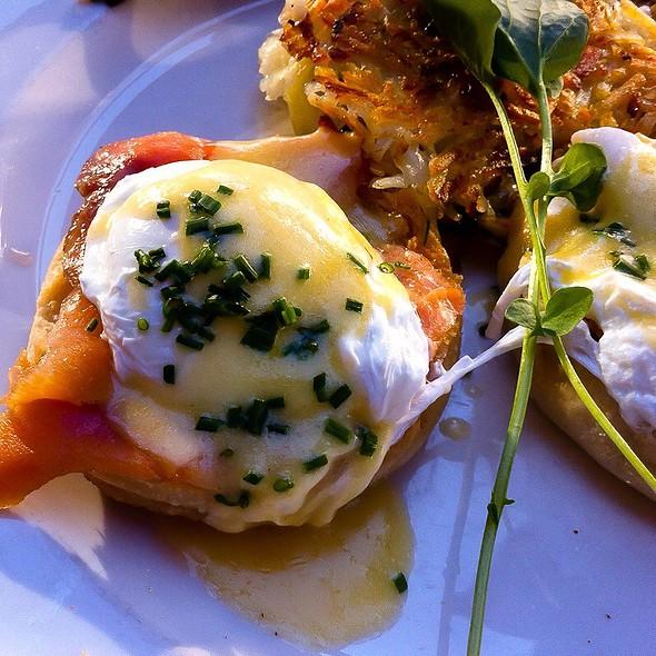 Smoked Salmon Eggs Benedict @ Mon Ami Gabi