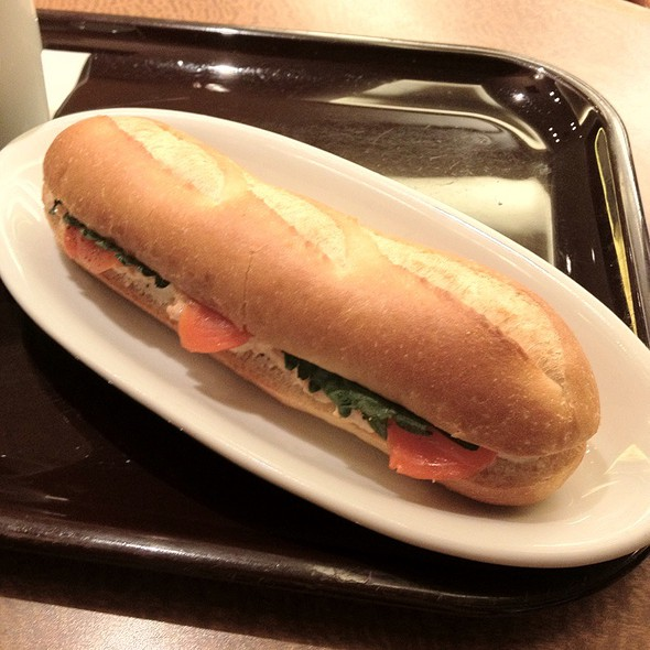 Sandwich With Smoked Salmon And Cream Cheese @ エクセルシオール カフェ 恵比寿ガーデンプレイス
